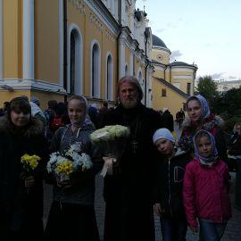 С цветами от мощей Блаженной Матроны Паломническая поездка к мощам святителя Спиридона и блаженной Матроны