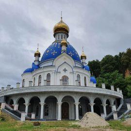 В 2012 году было начато строительство собора в честь Преображения Господня. В 2021-м храм еще не закончен Выезд на природу, 4.09.2021 г.