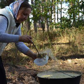 Полевая каша давно стала фирменным блюдом наших пикников. А еще - ароматный травяной чай Выезд на природу, 4.09.2021 г.