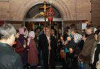 Пасхальный крестный ход (Пасха, 15 апреля 2012 г., храм Рождества Иоанна Крестителя, г. Харьков)