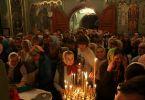 Прихожане храма Рождества Иоанна Крестителя (Пасха, 15 апреля 2012 г., храм Рождества Иоанна Крестителя, г. Харьков)